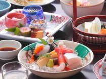 [和食/満喫プラン]通常プランの料理内容をアップした贅沢な季節の和食会席と天然温泉