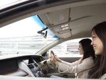 車でご来館のお客様にも安心!ホテル地下と近隣に駐車場完備!