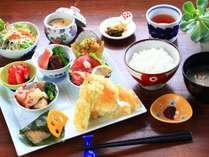 近隣のレストラン「清旬の郷」で頂く夕食一例(1500円チケット使用可)