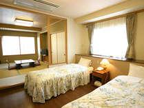和洋室(7畳和室&2ベッド)
