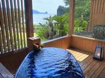 【露天風呂付客室】プライベートな空間で、海を見ながら心も体もリラックス☆