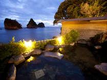 ☆雄大な駿河湾、三四郎島を眺めながら「渚の露天風呂」