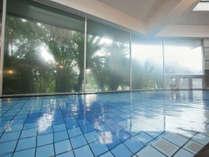 ☆【大浴場 オーロラの湯(殿方用)】御影石で造られた浴槽が、入浴の時間をさらに楽しませてくれます