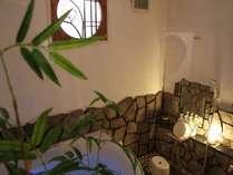 和風貸切家族風呂はジェットバスとバスタブの色を変える事が可能(無料.予約不可)