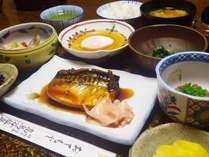 *朝食一例/旅館ならではの体にやさしい和食。食堂にてご用意いたします。