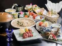 【デラックスプラン】春の献立一例。信州和牛ステーキをメインに、信州名物と季節の美味しさがズラリ。