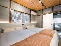2階寝室(ダブルベッド×2)