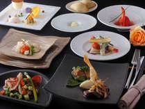 <創作料理>調理長が考えた「特別」をすべて手づくりで調理した人気のコース料理。