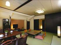 <10畳和室 山月亭>別荘気分が味わえると人気のお部屋です。
