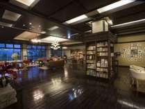 【蔵書Lounge&Bar】お気に入りの本を見つけて、美味しいお酒と一緒に