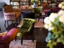 【蔵書Lounge&Bar】親湯を読んだ和歌に思いをはせつつ