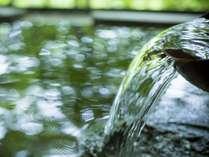 <貸切露天>渓谷を望む絶景の露天風呂