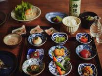 【ご夕食 蓼科 山ごはん】山の幸をふんだんに使った和食ベース「蓼科 山ごはん」の一例