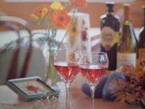 美味しいワインを飲みながらゆっくり語らいを・・・。