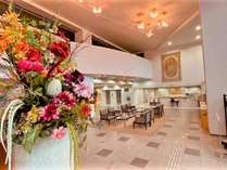 ホテルロビーにあるお花は月ごとに変わります。