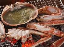輪島港水揚げ加能蟹!焼きガニ♪じわじわと焼いて香りも味もじっくりご堪能下さい…