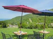 【朝食/高原テラス】見渡す限りの大自然!高原ホテルで過ごす、さわやかな朝の景色が一番のご馳走