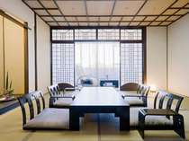 【松風楼8階】ワンランク上質の客室 和室(10畳)お部屋からは松山城を望むこともできます。