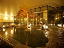 道後温泉引き湯の大浴場。温泉情緒と湯のあたたかさで心が癒されます。