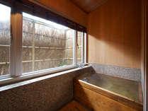 【特別室】貴賓室(302、307)の内風呂は檜風呂(※温泉ではありません)