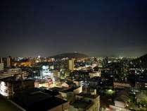 【松風楼8階】松山市内の夜景も楽しめる、最上階8階客室からの眺め