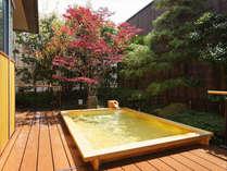 2012年3月 女性大浴場に新しくヒノキの露天風呂が完成しました。
