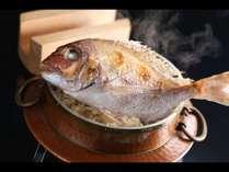 愛媛の郷土料理「鯛釜飯」。鯛はもちろん、お米や水にもこだわりがあります。