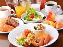 道産食材をふんだんに使用した和洋バイキング朝食♪14階からの景色もおすすめ!