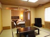 【和洋モダンルーム】お部屋でインターネットの接続も可能です。