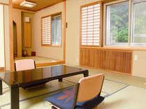 【和室12畳以上】和室15畳の広々とした和室です。全室から渓谷美をお楽しみいただけます。(お部屋の一例)