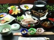 *源義朝御膳*当館人気のお料理です♪変わり鍋『源平鍋』味も視覚お楽しみいただけます!