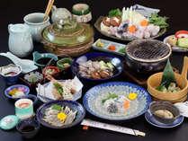 【ふぐ松】期間限定の白子焼き、ふぐの魚醤焼きや、ふぐ刺し、ふぐ寿司など多彩な料理が並ぶコースです!*