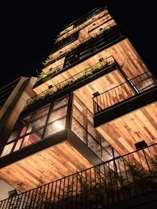Mash Café & Bed AKIHABARA はこのビルの8Fです。