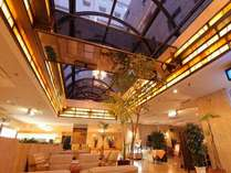 【ロビー】お仕事お疲れさまでした。名古屋クラウンホテルでゆったりと疲れを癒してくださいませ