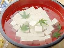 【朝食】名古屋めしバイキング 愛知県産の大豆を使って造ったお豆腐です。季節により湯豆腐になります