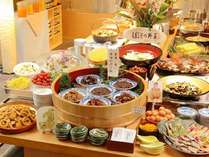 【朝食】朝食バイキング! 名古屋めしが人気です。 朝6:30~10:00(9:30最終入場)