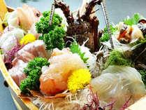 *【夕食一例】伊勢海老のお造りと地魚刺身の5点盛り!海の幸のとことん堪能したい方へオススメです!