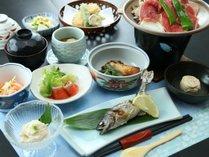 【ご夕食一例】山菜や、日光名物 ゆば料理と、旬の素材の真心料理でおもてなしいたします。