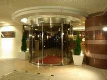 静かな住宅地の中のプチホテルです。女性1人でも安心♪温泉施設まで徒歩5分♪