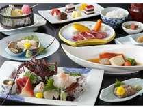 鮑に伊勢海老・金目鯛・・・、豪華な食材が宴を彩ります!