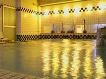 白浜温泉は、日本三大古泉のひとつ!お肌がつるつるになる美肌の湯としても有名です♪