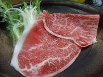 信州黒毛和牛しゃぶしゃぶと地野菜を添えて 口の中でとろけてしまう程上質な黒毛和牛です!<料理例>