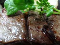 黒牛はお肉屋さんのオリジナルブランド牛です。料理例