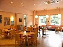 開放感のあるレストランになります。