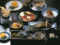 当館自慢のやまゆり膳!山海の幸をお楽しみいただけます。