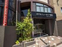 西鉄柳川駅より徒歩3分の好立地!川下りの乗船場にも隣接した、ビジネスにも観光にも便利なホテルです。