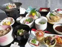 『良佳の膳 雅』は遊湯ぴっぷイチオシの和食懐石膳。旬の味覚を揃えております。