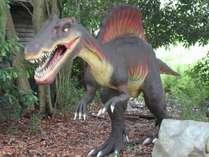 アニマルキングダム『恐竜が棲む森」迫力満点!!