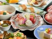 伊豆と言えばやはり新鮮な海の幸。厳選した海鮮を召し上がれ♪※写真は一例