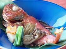 金目鯛は駿河湾の代表的な地魚です。優しい味わいの姿煮でどうぞ。